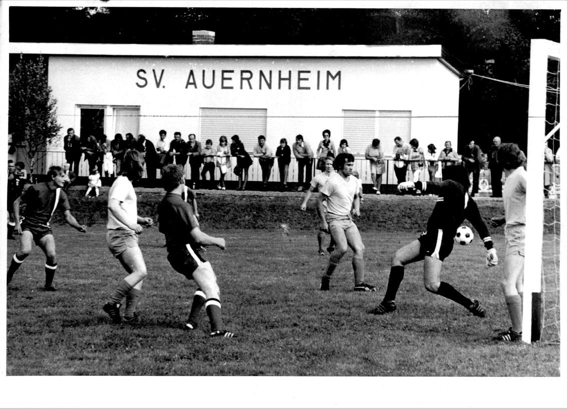 1973_Sportplatzeinweihung_Spiel_06