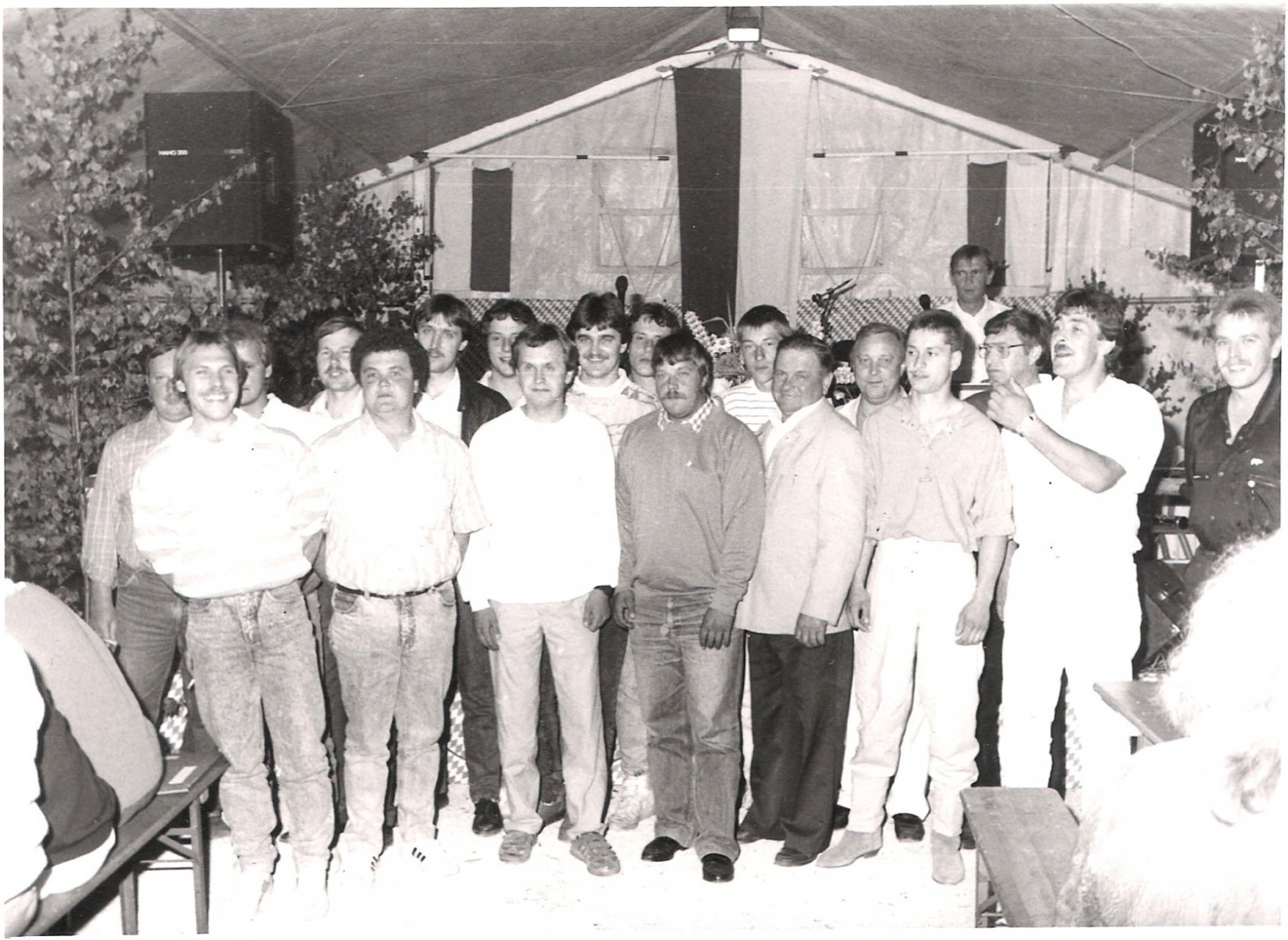 1988_Sportplatz_Neueinweihungen_Ehrung-10-Jahre-Mitglied